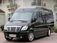 CHAUFFER DRIVEN LUXURY MERCEDES LIMOUSNE VAN